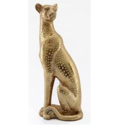 A gorgeously simple themed ornamental Leopard status featuring a golden luxe tone