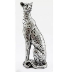 Sure to bring a silver luxe edge to your home interior, a gorgeously simplistic Leopard ornament