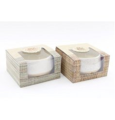 Part of the Natural Interior Range, these assorted candle pots feature simplistic decals and fresh scented fragrances