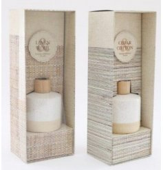 Each filled with a delightfully fresh fragranced oil, these speckle glazed diffusers feature a charming and simple colo