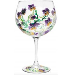 Decorated with a gorgeously detailed hand painted Pansie design, this gin glass will be sure to add some colour to your