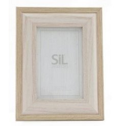 Sure to tie in with any home with a neutral colour scheme and setting