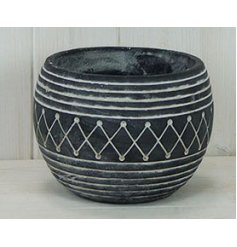 Sure to bring an ontrend hint to any garden space when filled with blooms or shrubs,
