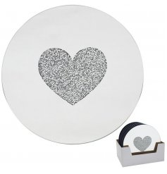 Adorned with a glittery crystal heart centre, this mirrored candle plate is a must have for any home with a Luxury feel