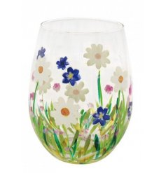 Covered with pink hues, green flicks and a charming hand painted finish, this stemless glass projects a gorgeous Spring