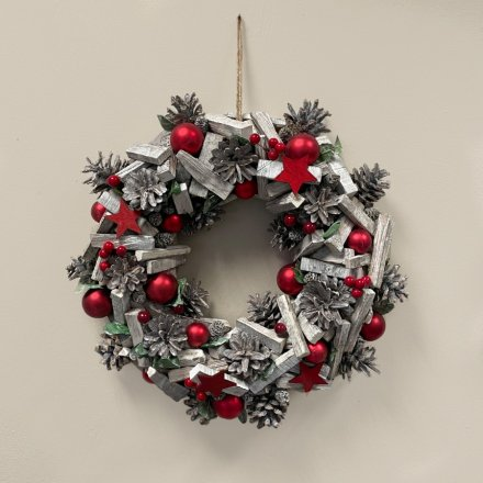 Silver and Red Wooden Christmas Wreath, 40cm