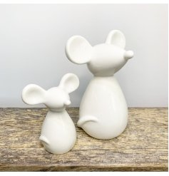 A chic and simple ceramic mouse ornament with a white glaze colouring to complete its look
