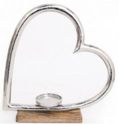 A gorgeously simple heart decoration that can be combined with any home space wanting a Rustic touch