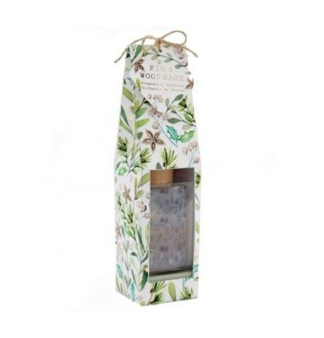 A festive themed mini reed diffuser from our new Alpine Fig and Woodsage scented range