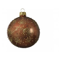 A sleek and elegant inspired bauble sure to add a dainty touch to any tree display at Christmas
