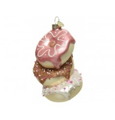 A fun and quirky addition to bring to any tree with a Delicious look to it!