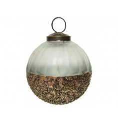 A gorgeous accessory to add to any tree with a Rustic Charm or Woodland theme