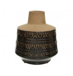 Bring a trending colour and theme to any home space with this structured vase in a sand and black colouring