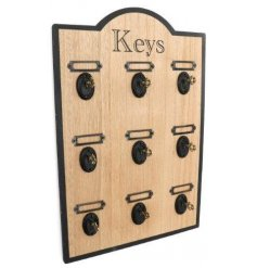 Bring a Vintage Luxe touch to your hallway or entrances with this stylish wooden plaque for key hanging