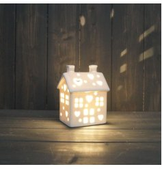 this little decoration is a must have for the home during Christmas Time wanting a cosy led glow