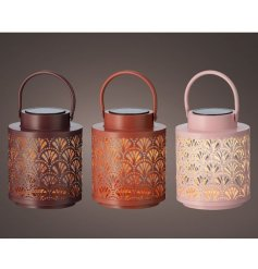 Spend more time in the garden illuminated by these lanterns