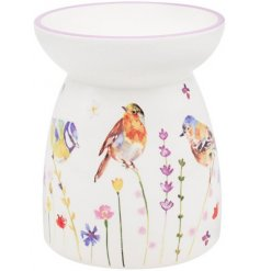 A floral and garden themed warmer that will appealing to the eye on a mantlepiece or shelf.